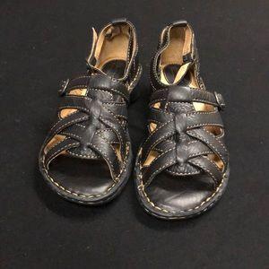 Born strap sandals women's size 8